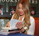 Ask Lauren: What Should I Expect at Your Book Signing?