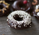 How to Host: A Holiday Donut Decorating Party