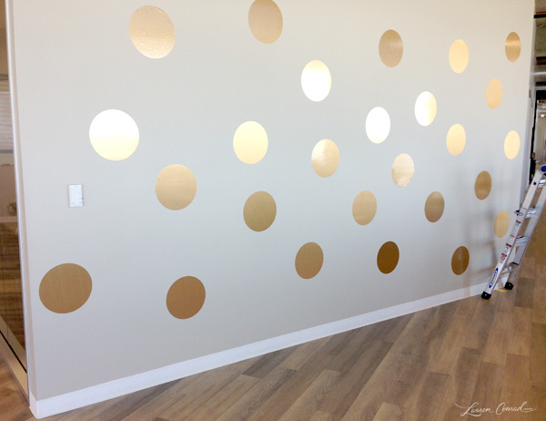 How to paint polka dots on bedroom walls office makeover for Appart city dublin