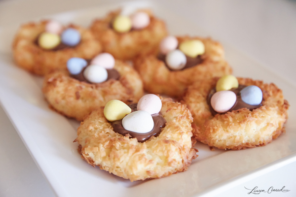 Edible Obsession: Easter Egg Macaroon Nests