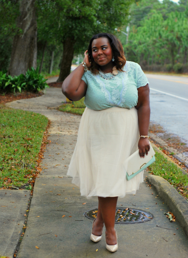 Chic of the Week: Thamarr's Feminine Finds