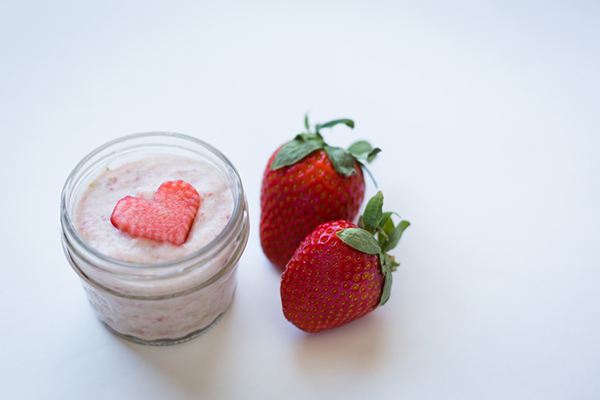 Beauty DIY: Strawberry Rose and Bananas & Cream Facials {LaurenConrad.com}