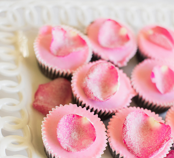 Edible Obsession: Sugared Rose Petal Cupcake Toppers
