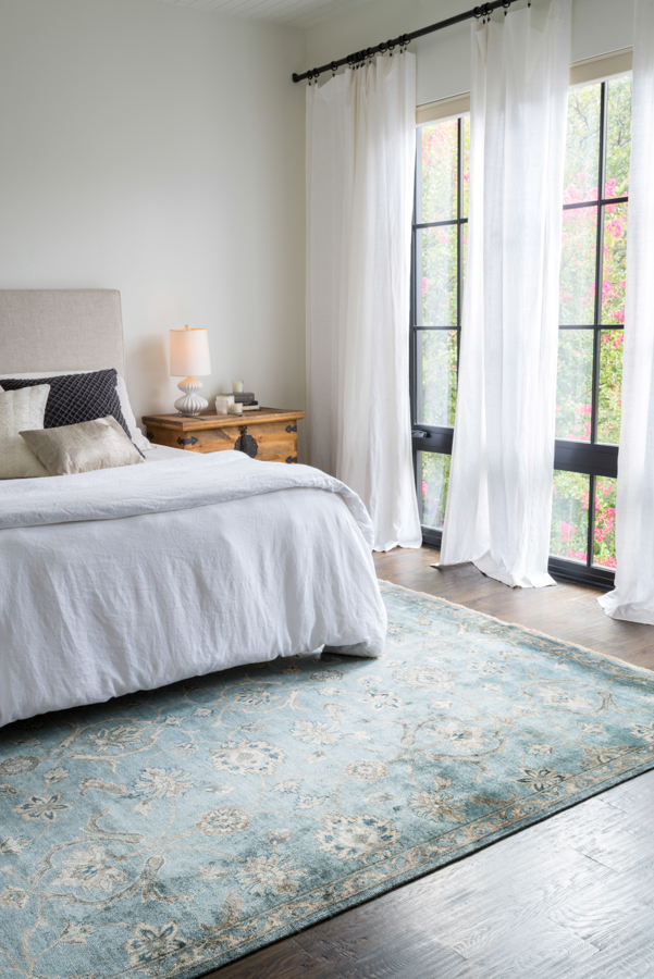 Currently craving statement rugs for every space lauren for Rug in bedroom