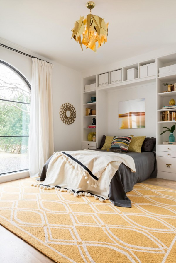 Gorgeous Light In This Bedroom {love The Yellow Rug From Loloi Rugs}