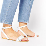Style Guide: The Best Sandals For Summer