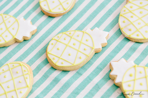 Pineapple sugar cookies {the best way to kick off summer!}