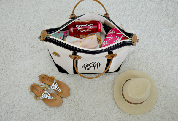 Anna James of Fash Boulevard is a pro when it comes to the perfectly packed carry-on!