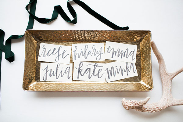 How sweet are these wedding place cards {via POPPYjack SHOP}