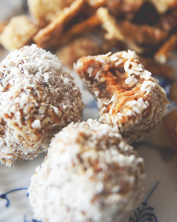 Claire Thomas of The Kitchy Kitchen whips up homemade road trip snacks.