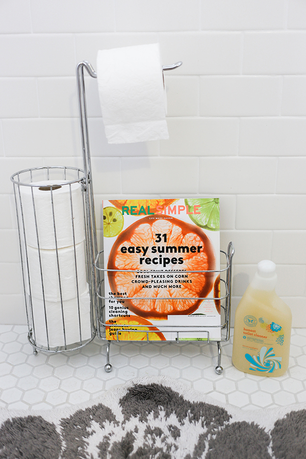 Cleaning your bathroom the natural way.