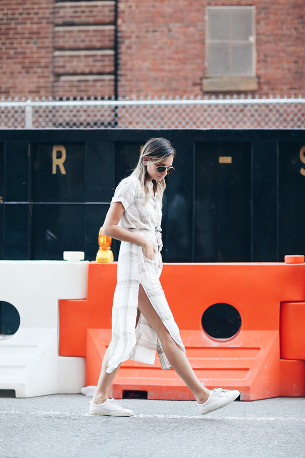 Upgrade your weekend errand outfit! {via Danielle of We Wore What}