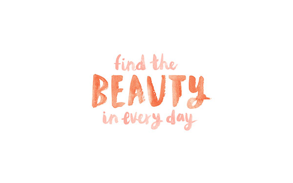 Find The Beauty In Every Day tech wallpaper on LaurenConrad.com