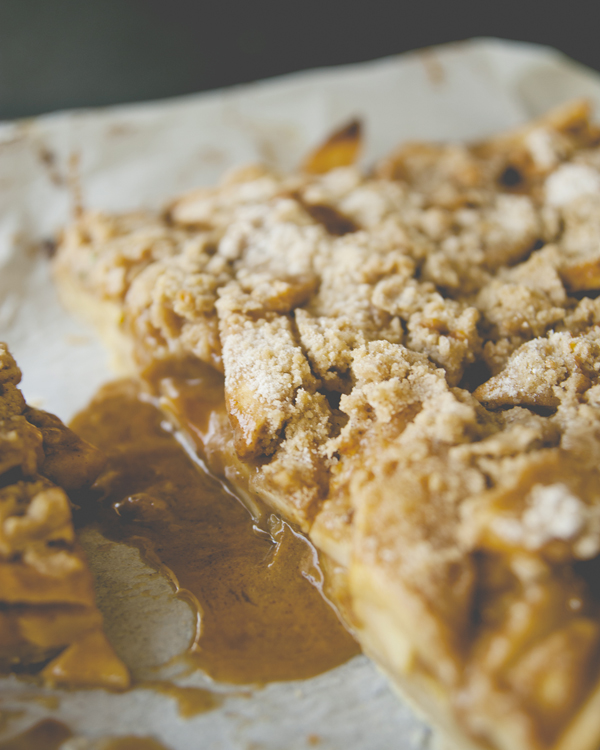 This Salted Caramel Apple Bar recipe is the perfect combination of flavors and textures.