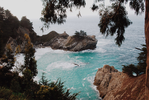 The inside scoop on where to stay and what to see in Big Sur, California.