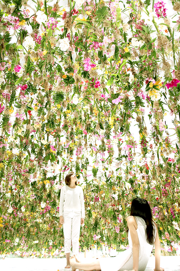 Favorite Dream Destination (this floating flower garden in Tokyo, via Brit + Co)