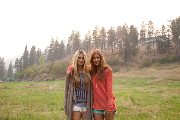 The cofounders, Molly and Lauren, behind The Kind Campaign.