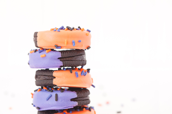 Dipped & sprinkled chocolate Oreos
