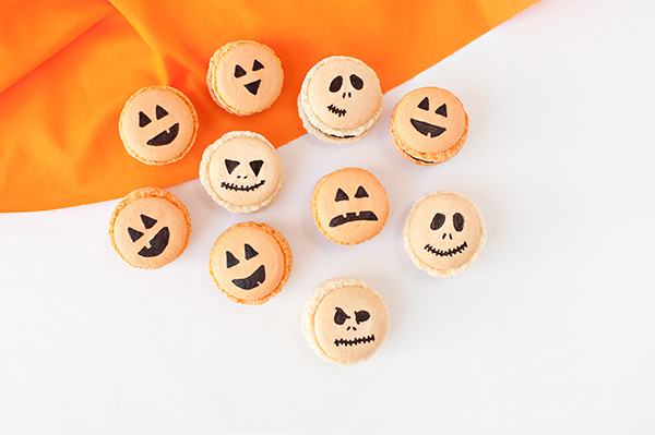 Ganache filled Halloween macarons by Sprinkles for Breakfast