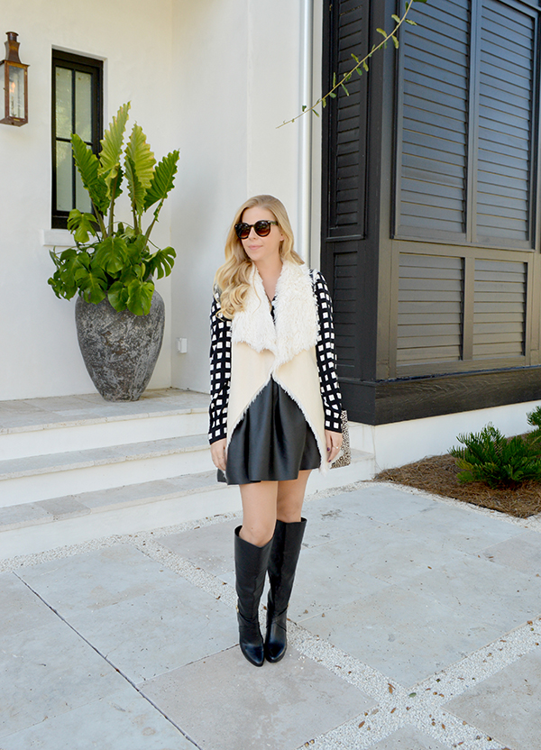 Anna James of Fash Boulevard is showing us how to pair fall vests with skirts.