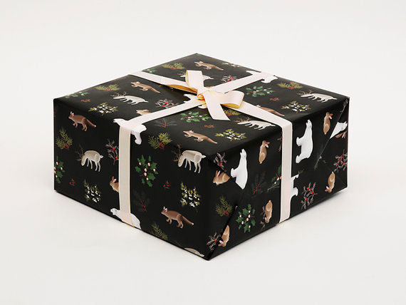 Clap Clap Design Winter Animals Christmas Wrapping Paper