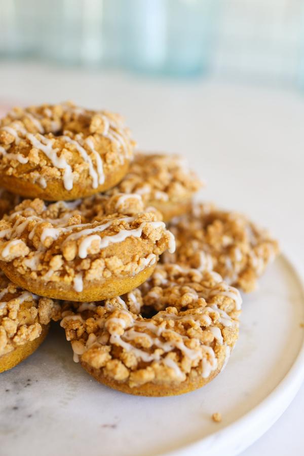 Baked Pumpkin Crumble Donuts