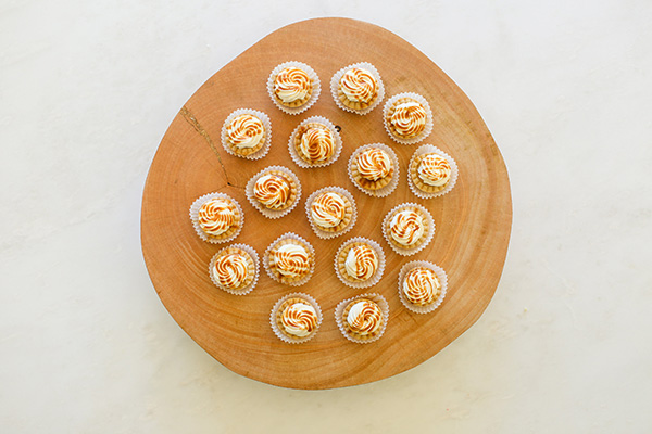 Why is it that mini desserts are extra delicious? Like these mini pumpkin pies...