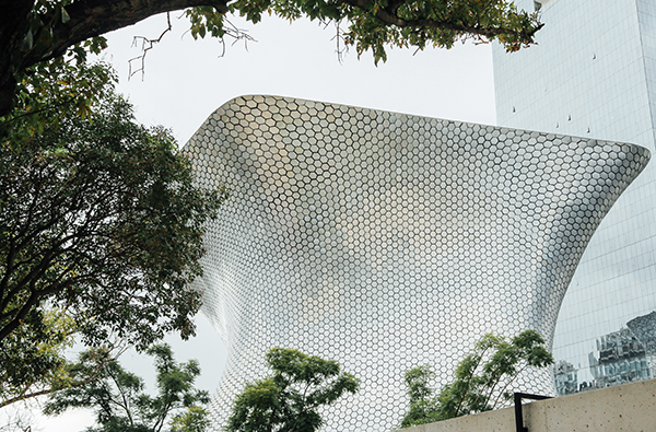 The incredible Museo Soumaya.