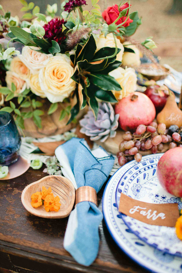 A sweet friendsgiving tablescape.