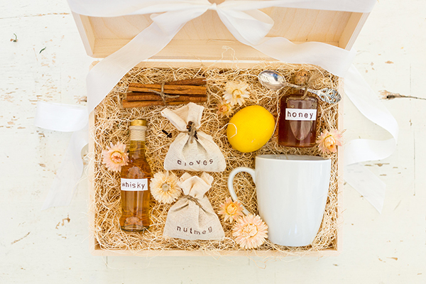 DIY hot toddy gift box by LaurenConrad.com