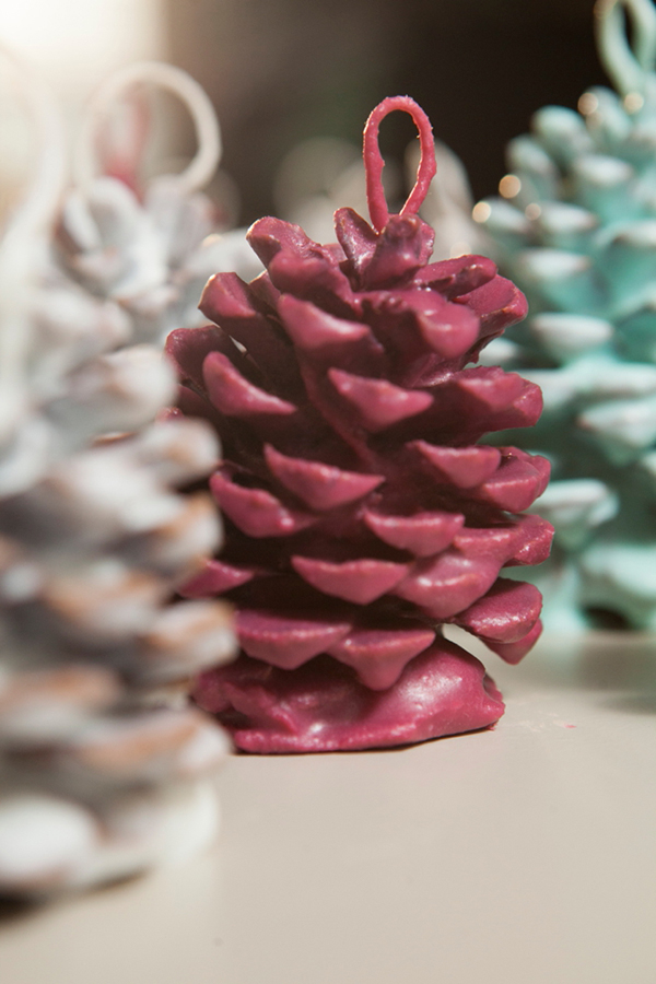 Pinecone Fire Starter Favors via Something Turquoise