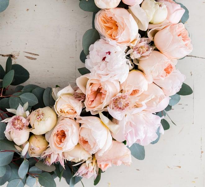 DIY: 4 Gorgeous Holiday Flower Wreaths