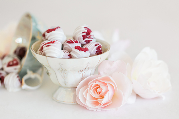 White Chocolate Dipped Berries by LaurenConrad.com.