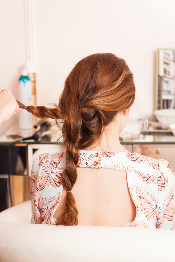 Create the Laptop Loop hairstyle following these easy steps.