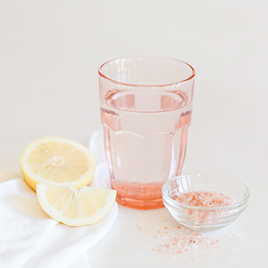 Detox Diary Why You Should Be Drinking Pink Salt Water Lauren Conrad