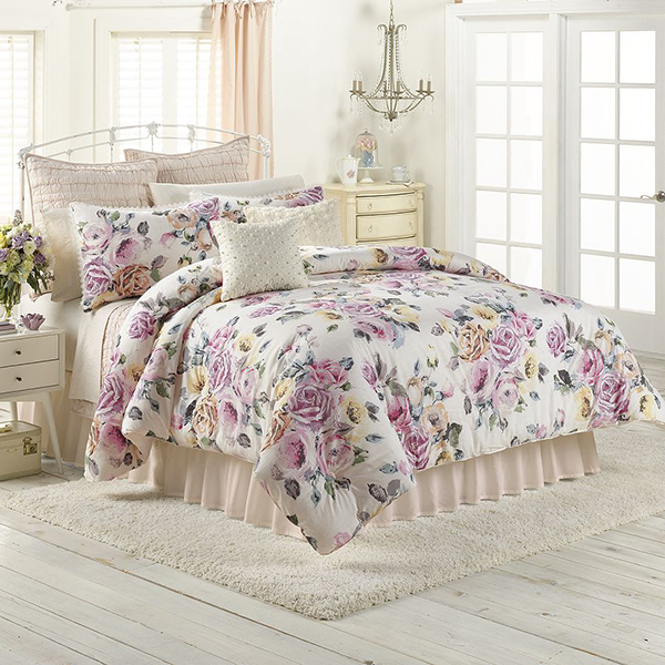 Rose Garden Comforter from LC Lauren Conrad bedding collection!
