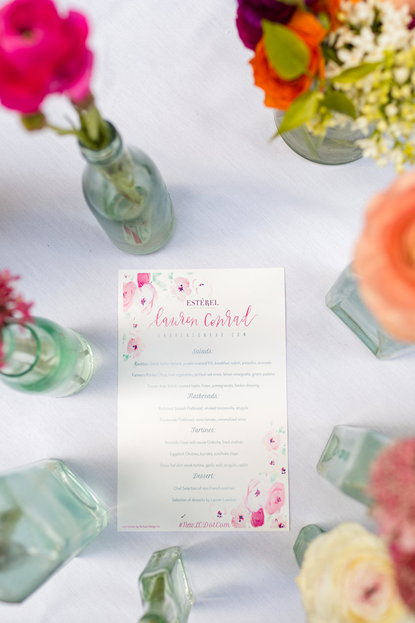 Each place setting also included a custom menu featuring floral illustrations from Nunuco Design Co.