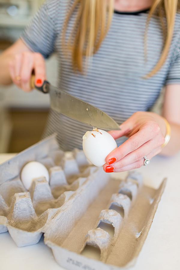 How to create Easter egg bud vases