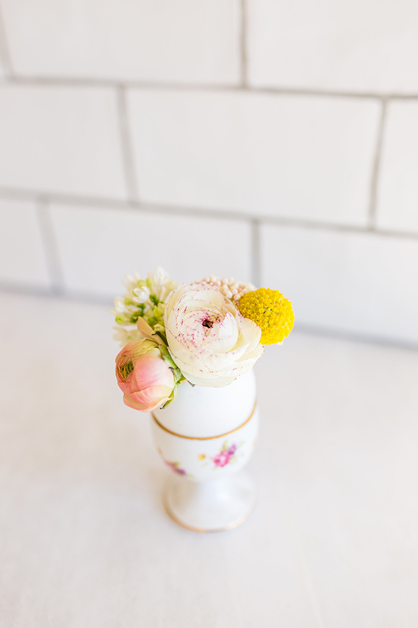 Easter egg vases perfect for miniature bouquets