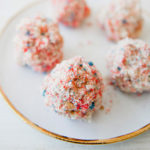 Edible Obsession: 4th of July Flag Cake Truffles