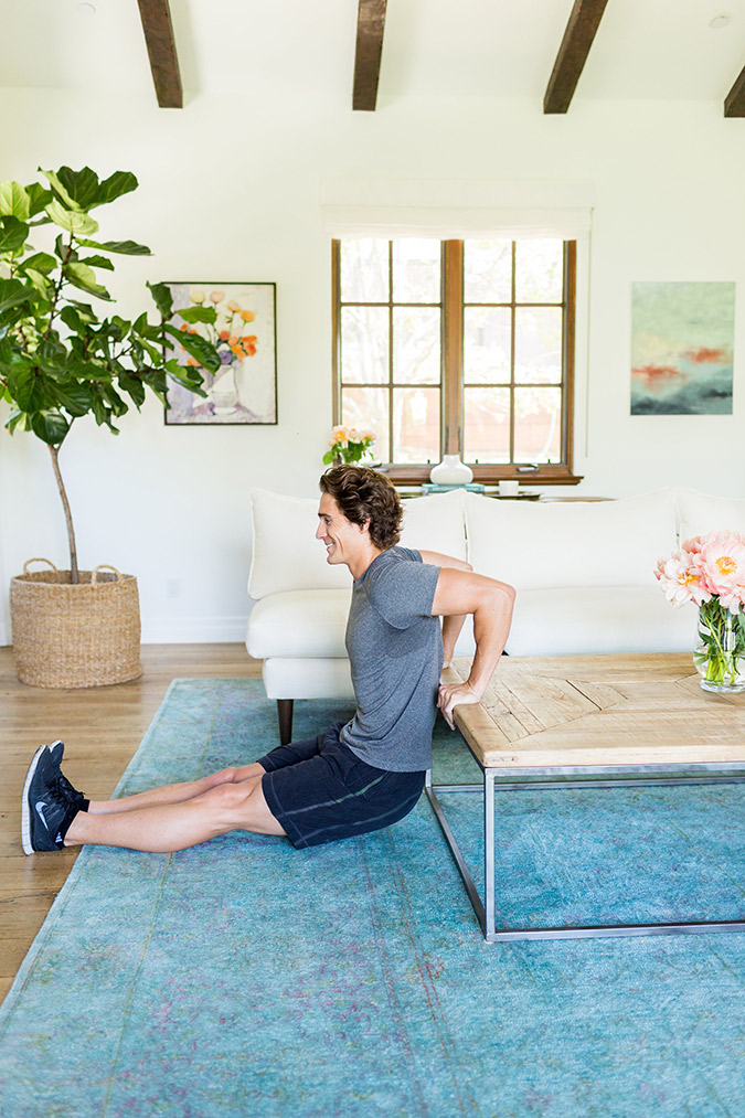 See this hotel room workout for any traveler that wants to stay active