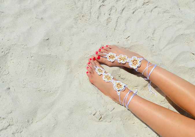 summer must have: barefoot sandals