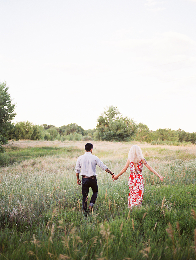 Engagement photo tips from real photographers on LaurenConrad.com