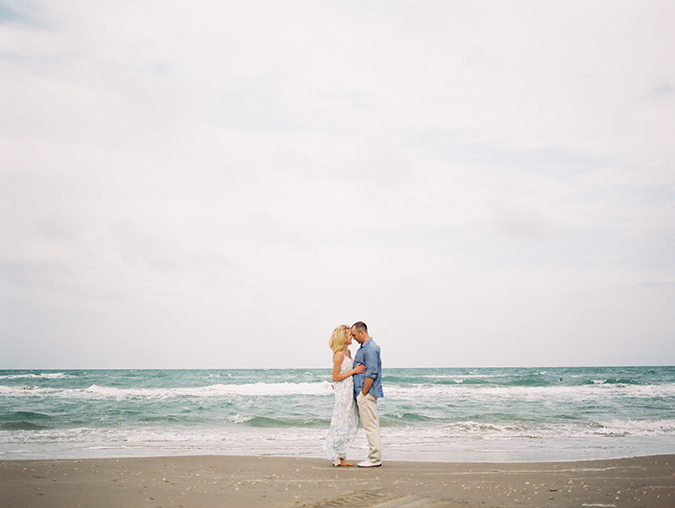 Engaged? Read these tips on engagement sessions from a real photographer...