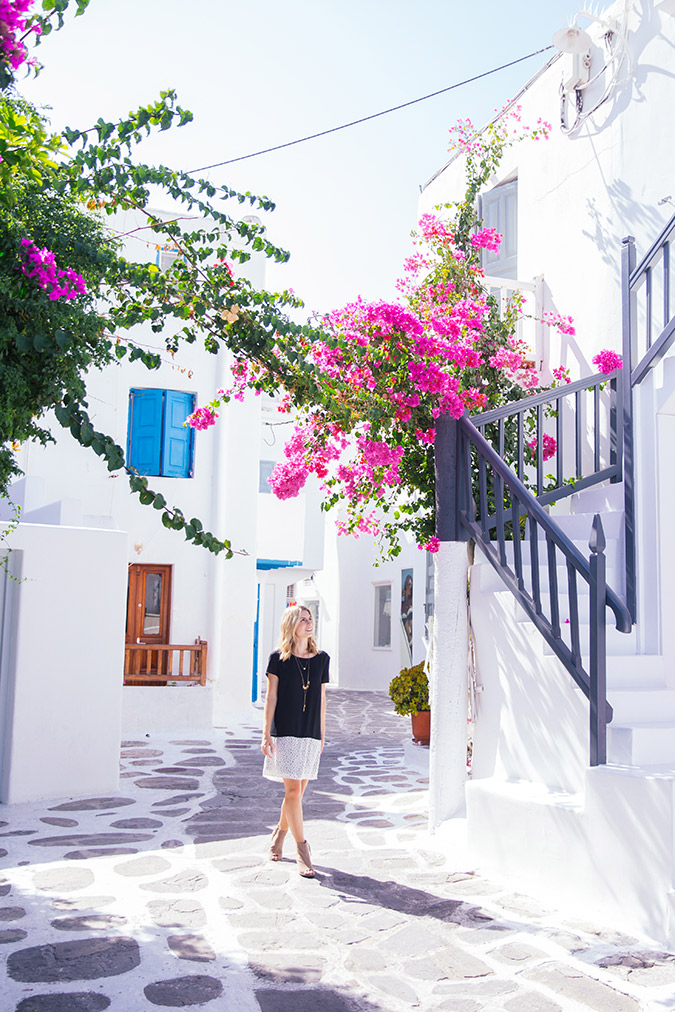 Pops of color in Mykonos