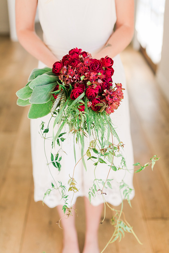Bold red DIY bridal bouquet for fall