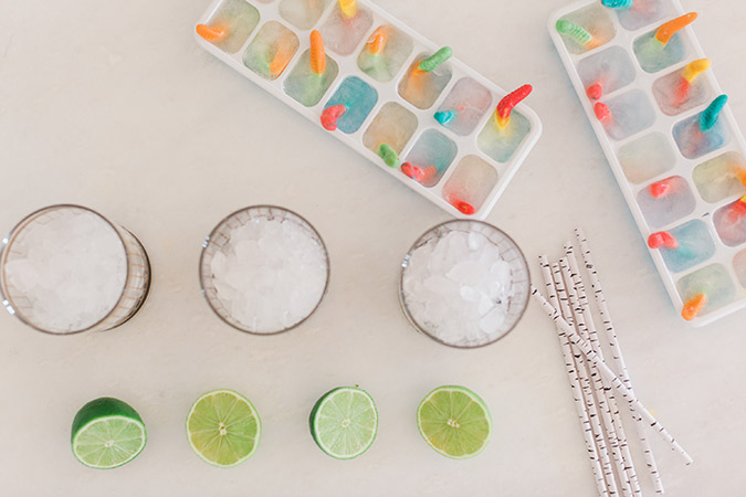 how to make the perfectly spooky and delicious cocktails for Halloween