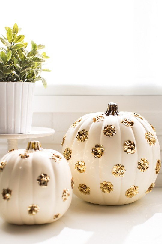 Sequin pumpkin DIY via Sugar & Cloth
