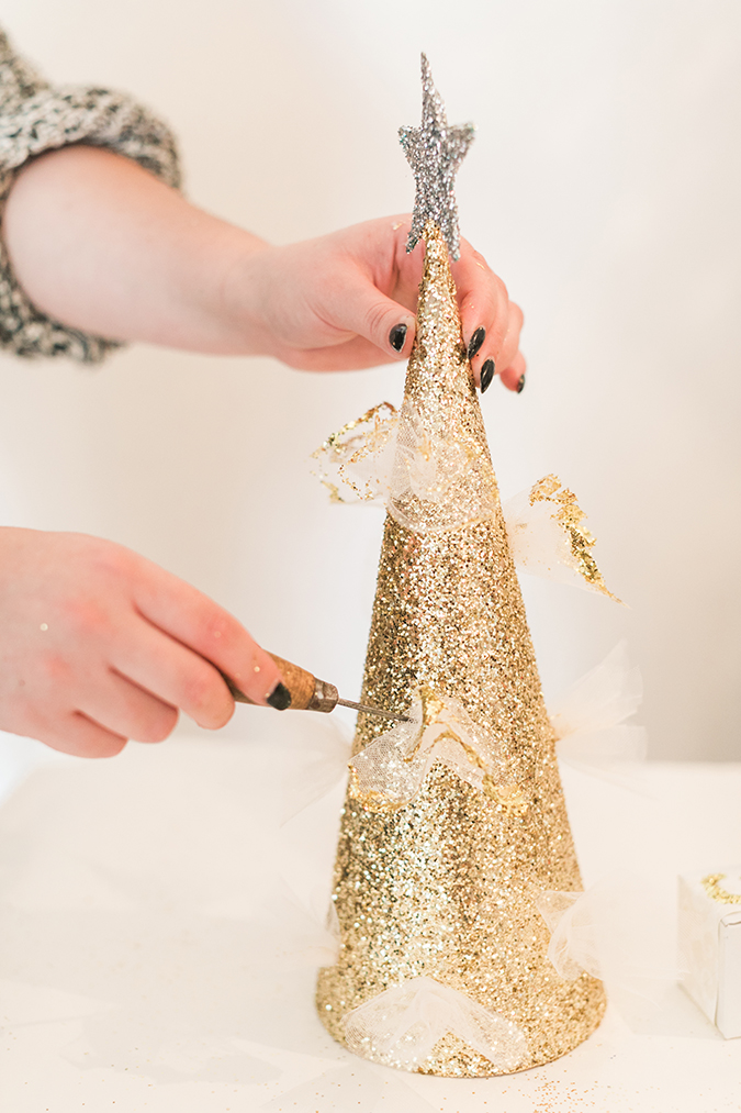 learn how to make this glittery tree topper step-by-step