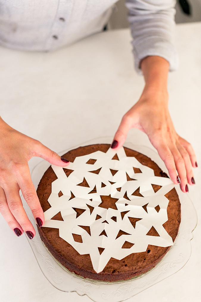 How to make Lauren Conrad's snowflake sugar cake